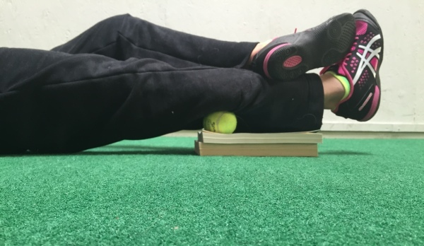 foam-rolling-calf-with-ball