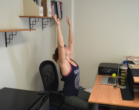 seated-thoracic-stretch
